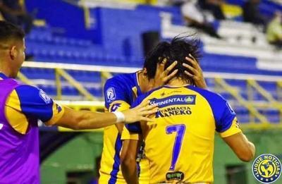 Luqueño dejó escapar la victoria y sumó 1 punto ante Libertad •