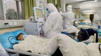 SOS en hospitales: Terapias ocupadas al 100 por ciento, sin insumos básicos y con personal agotado