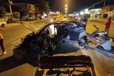 Conductor muere tras grave accidente en Roque Alonso