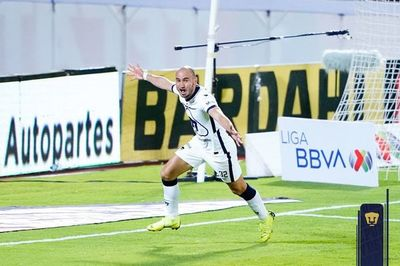 Histórica remontada de Pumas con un gol paraguayo