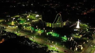 Itaipú ofrece un ESPECTACULO de LUCES por Navidad en FOZ, aquí solo la OSCURIDAD