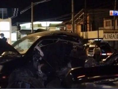 Auto se parte en dos tras accidente fatal sobre ruta Transchaco