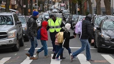 A medida que llega el frío, EEUU se acerca a un promedio de 200.000 casos diarios