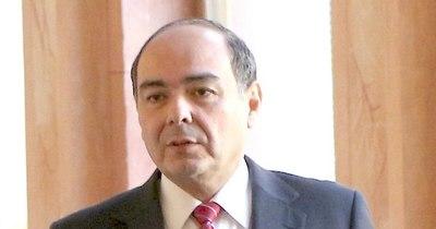 La Nación / Senadores evaluarán este jueves designar a excanciller como embajador ante Chile