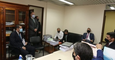 La Nación / Piden prescribir caso de extitular de Petropar Sergio Escobar