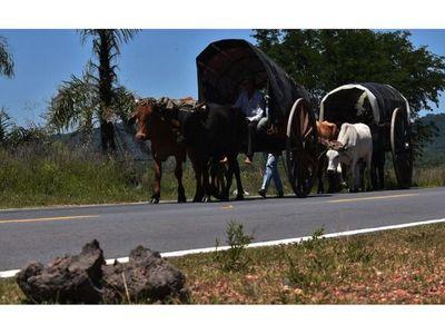Después de 75 años, carretas no arribaron hasta Caacupé