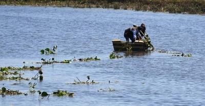 HOY / Ministerio del Ambiente imparte acciones para recuperar la Laguna Cerro