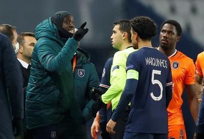 Denuncia de racismo y suspensión el juego PSG vs. Estambul