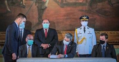 La Nación / Plan de lucha contra la corrupción se formalizó en papeles
