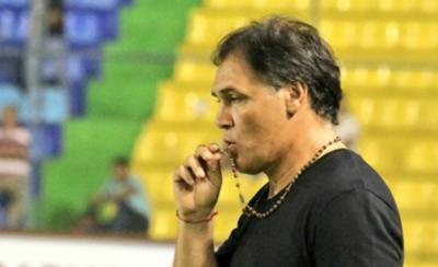 HOY / Celso Ayala asume el mando del plantel de Sol de América