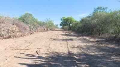 Obras de limpieza de terreno de comunidad paró por desperfecto de maquinaria