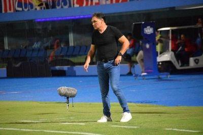 Celso Ayala asume el mando del plantel de Sol de América