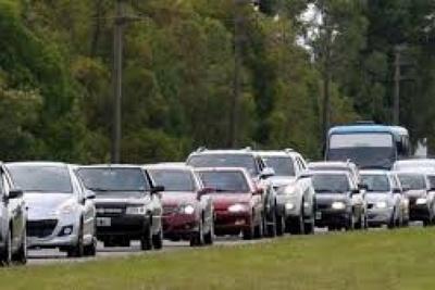 Cuando iban 12 horas de cierre de ruta, llegaba a 20 km de vehículos atascados