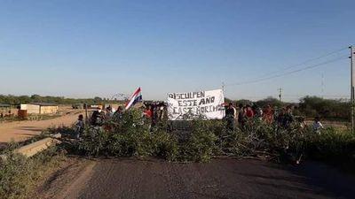 "Autoridades ""están en camino"" tras 11 horas de bloqueo de la Transchaco"