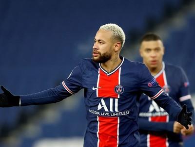 Neymar y Mbappé lideran goleada del PSG