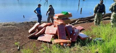 Hallan 2.500 kilos de marihuana prensada a orillas del Lago Itaipú