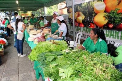 Hoy jueves feria agropecuaria en San Lorenzo