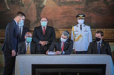 Gobierno lanza nuevo Plan Anticorrupción que serviría sólo para la foto