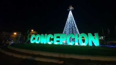 Inauguran arbol de navidad en Concepción
