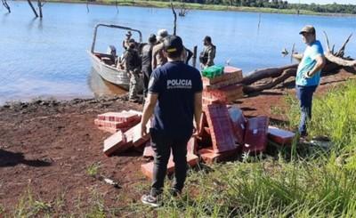 Hallan 2.500 kg de marihuana y detienen a un hombre en el Lago Itaipu