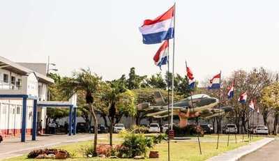 Presidente Abdo Benítez participó del acto por el Día de la Fuerza Aérea Paraguaya