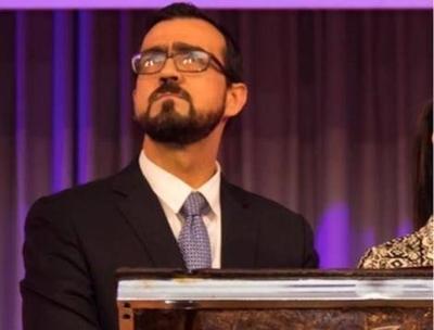 """HOY / Pastor evangélico: """"En Fortnite le invitaron a mi hijo de 9 años para una fiesta LGBT"""""""