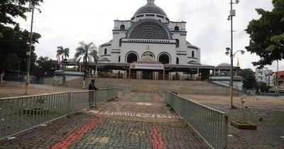 La Nación / Reabren Tupãsy Ykua y Basílica a los feligreses