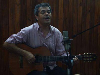 Víctor Riveros lanza Patria abierta