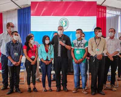 Cinco jóvenes Ava Guaraní son nuevos funcionarios de Itaipu