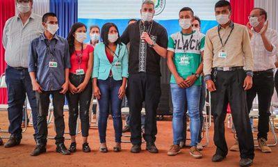 Jóvenes indígenas Ava Guaraní se incorporan en Itaipú como aprendices