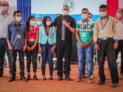 Jóvenes indígenas Ava Guaraní se incorporan laboralmente a Itaipú