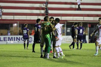 El VAR le dio una mano a River Plate