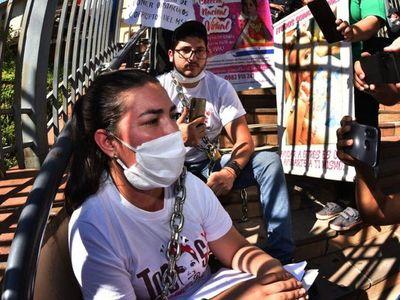 AME: 10 niños esperan tratamiento y ponen a Salud en una encrucijada