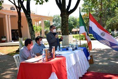 Presentan libros durante feria de emprendedores en San Juan Nepomuceno
