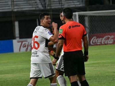 El insólito gesto de Diego Torres: gol y festejo con el árbitro