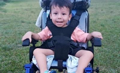 HOY / El pequeño Benjamín espera hace un año su tratamiento con Spinraza