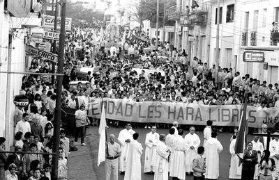 El arzobispo Ismael Rolón: un héroe civil