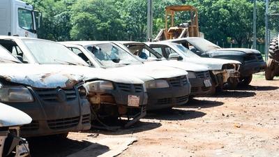 Gobernación recaudó G. 346 millones en remate de vehículos en desuso