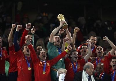 HOY / España, mejor selección europea del siglo XXI; Barça y Madrid, mejores clubes