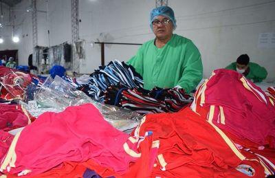 Confeccionistas de Yaguarón con miles de pedidos de tiendas retails