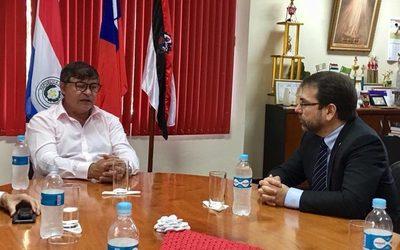 Fiscalía sigue sin abrir causa por tráfico de influencias al intendente de Minga Guazú