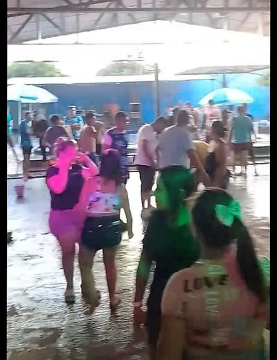 Farra total sin MEDIDAS SANITARIAS en balneario del Alto Paraná