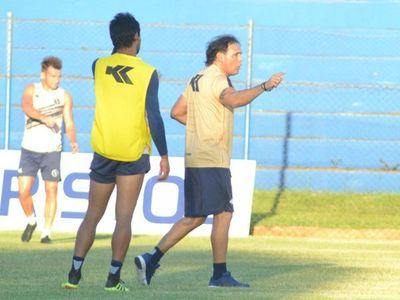 """Celso Ayala: """"Tenemos que meternos como sea en el Playoff"""""""