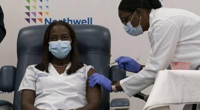 EEUU arrancó la vacunación contra el COVID-19
