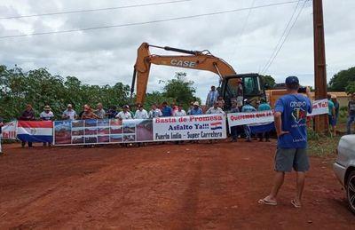 Cavan zanja para bloquear acceso a Puerto Indio