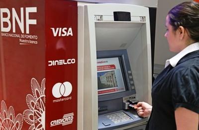 Hacienda inyecta a la economía US$ 440 millones con pagos de fin de año