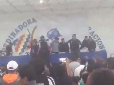 Lanzan silla contra Evo por descontento dentro de su partido