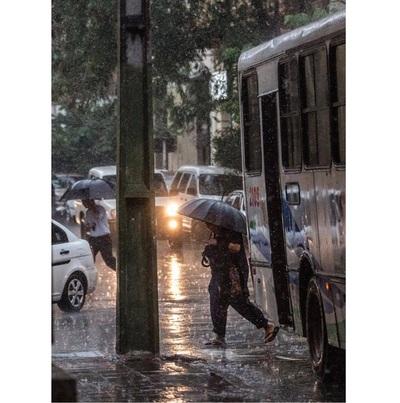 Miércoles lluvioso y con tormentas, pronostica Meteorología