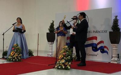 «Mita´i Requejo» fue merecedor de uno de los premios «República»
