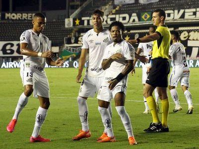 Santos aplasta a Gremio y avanza a semifinales